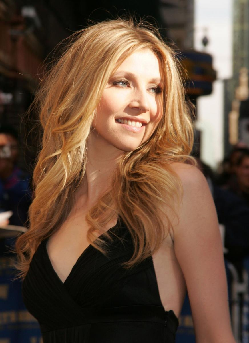 Sarah-Chalke-How-to-Live-With-Your-Parents